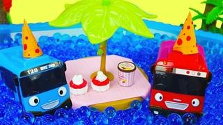 Tayo le petit bus et ses amis organisent une fête dans la piscine. Vidéo drôle pour enfants