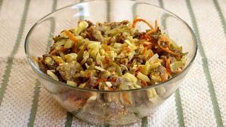 """Салат """"Обжорка"""" - очень вкусный и простой мясной салатик"""