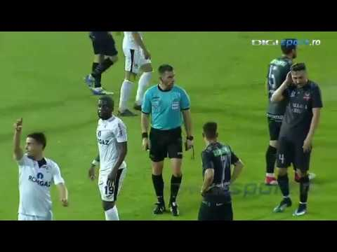 Ref uses vanishing spray on FC Hermannstadt's Ionuț Stoica face in Romanian Cup semifinal