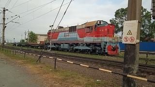 ТЭМ7А-0331 с грузовым поездом