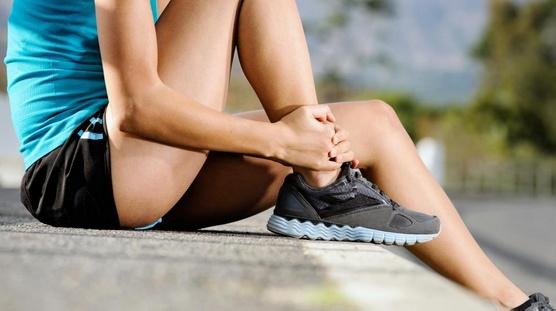 Обувь от плоскостопия не всегда помогает избавиться от боли.