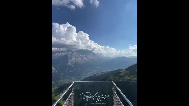 Бернские Альпы Швейцария