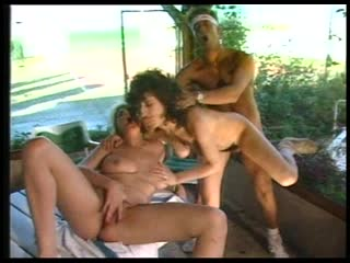 Joy karins-sex-hammer(1988)1 опытная женщина с большой грудью