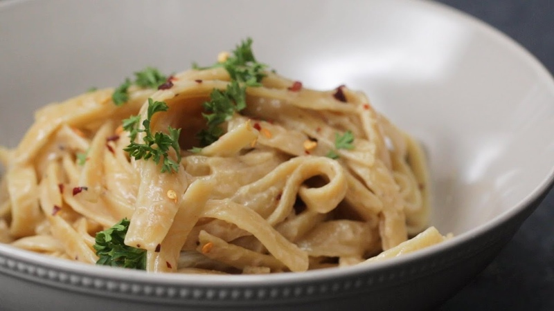 How To Make Quick And Creamy Oat Milk Fettuccine