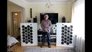 Papa testet zum ersten Mal seine selbstgebauten Lautsprecher