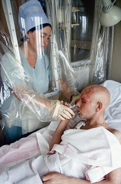 Лечение пострадавшего во время аварии на Чернобыльской АЭС.