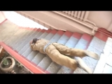 Эффектный и функциональный спуск с лестницы (6 sec)