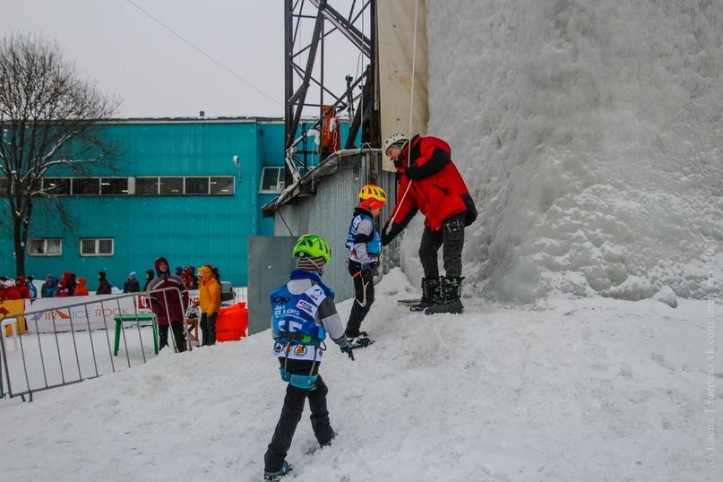 Главные отечественные ледолазные старты сезона финишировали в городе Кирове в минувшие выходные – чемпионат и первенство России по альпинизму. Всем было что доказывать и что терять…, изображение №24