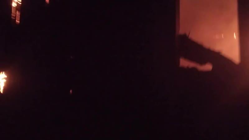❗На окраине Донецка сегодня после обстрелов горел дом