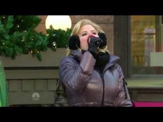 Megan Hilty sings in black boots - 28-Nov-2013