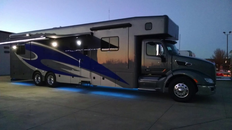 45' Showhauler Motorcoach Wright Way Trailers
