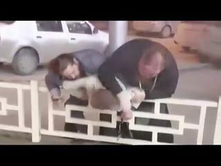"Новосибирск - ""Духовная"" Драка из-за места на парковке"