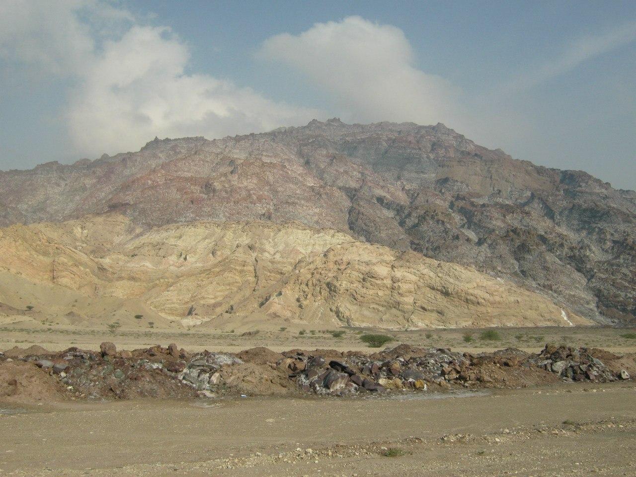 гора с соляным покрытием в Иране