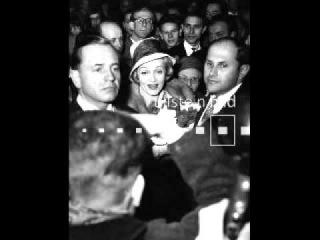 Marlene Dietrich, Berlin / So Lang Noch Untern Linden
