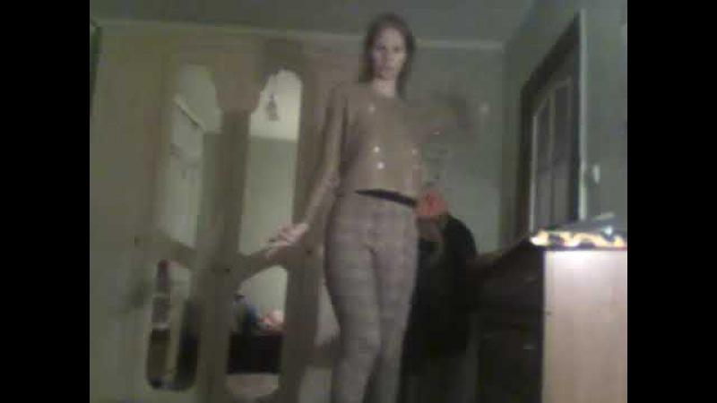 танцую под песню Фристаял (ах какая женщина )