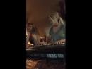 Moja sestra Vahida Vee Breskich i Ja Eliza Farris - Jelen