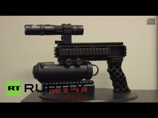 USA: Check out this non-LETHAL WEAPON - the Streetwise Police Force Triple Defender