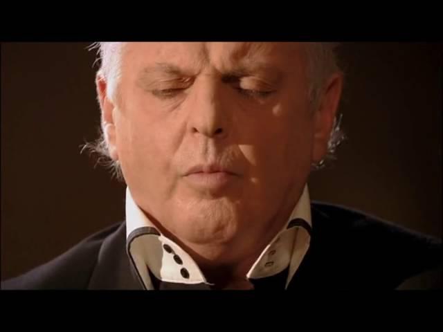 Л.Бетховен - Соната №8 Патетическая, c-moll, ор. 13 (исполняет Даниэль Баренбойм)