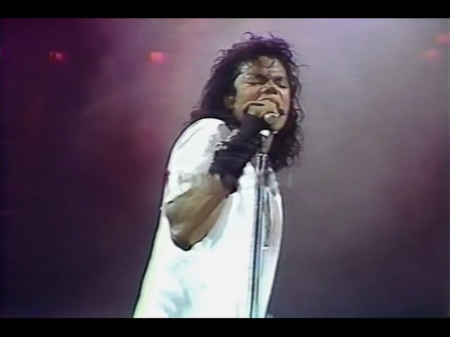 Michael Jackson Dirty Diana Live in Rome 1988
