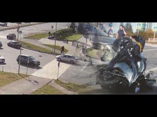 ДТП Тойоты и мотоцикла зафиксировала камера в Сургуте