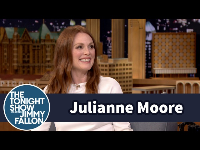 Julianne Moore Made Awesome Mommy Bitmojis