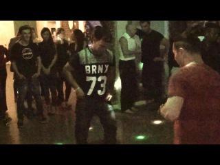 Реггетон - мужской танец :) Общая вечеринка в BAR60