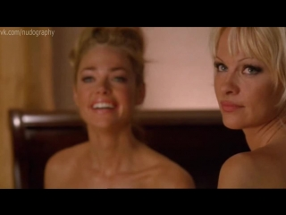 """Обнаженные Памела Андерсон (Pamela Anderson) и Дениз Ричардс (Denise Richards) - """"Блондинка и блондинка"""" (Blonde and Blonder)"""