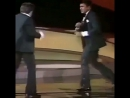 Sylvester Stallone and Muhammad Ali take a moment to spar on stage at the 1977 Oscar ceremony. MuhammadAli SylvesterStallone