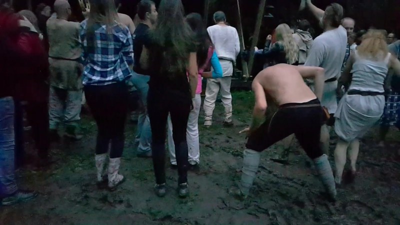 BIDA Bieda Burtas Pohroma Unglück Poisse Hoodoo -- Apuolė, LIETUVA, 6.08.2016