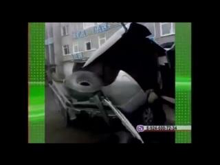 В Братске в салоне УАЗа взорвалось колесо от грузовика