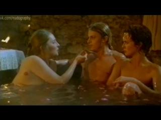 кажется, что это голая подружка в бане это эффективно? думаю