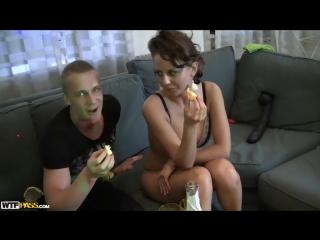 Сексуальный девишник 2 жажда банана