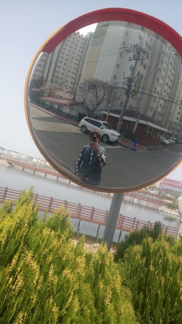 Игорь в Корее.