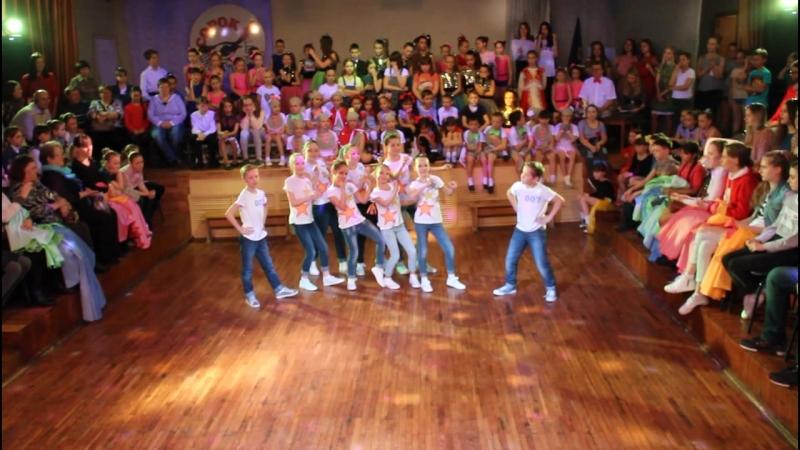 XXXV Традиционный школьный фестиваль Танцы,танцы, танцы 3 В - ЛОВИ РИТМ - 1 место