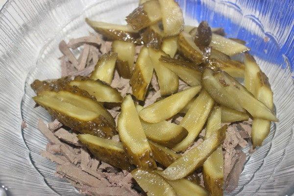Салат с печенью и овощами, изображение №3