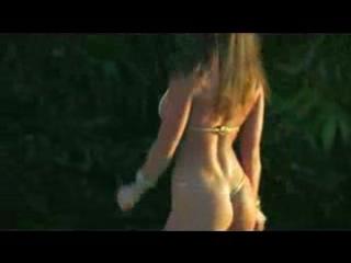 SEXY BIKINI GIRLS (David Guetta ft Akon - Sexy Bitch)