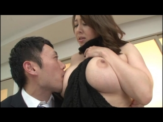 Kazama yumi - a no bra big tits wife who blows men's minds with lascivious titty flashes and bulging nipples