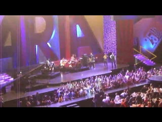 Guy Sebastian - Whos That Girl ⁄ Dont Worry, Be Happy - LIVE  ARIAS 2011