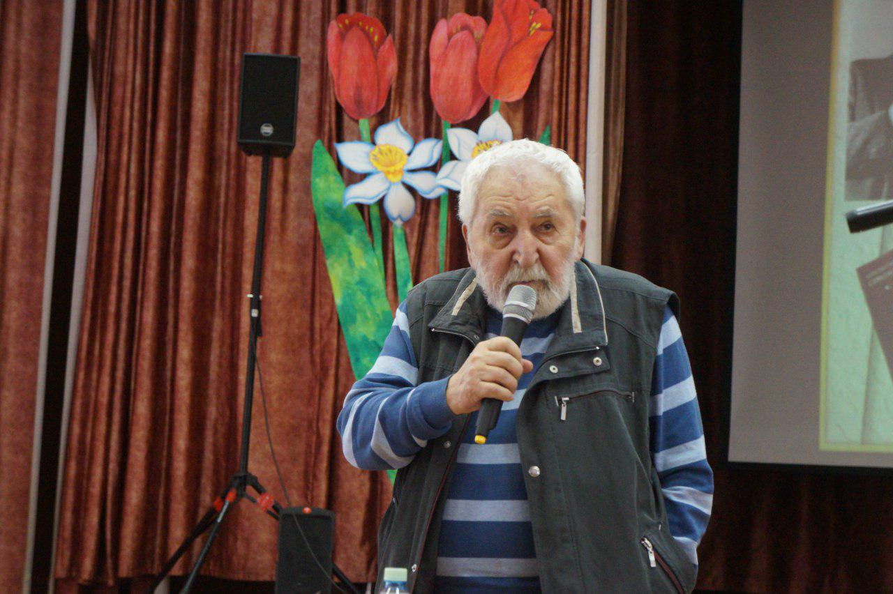 Конкурс чтецов «Не превращай поэзию в оружье…» прошел в Лианозове