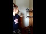 Лерочка и попугай Куро