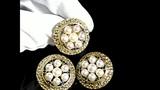 Комплект украшений из золота с жемчугом и сапфирами - серьги и кольцо