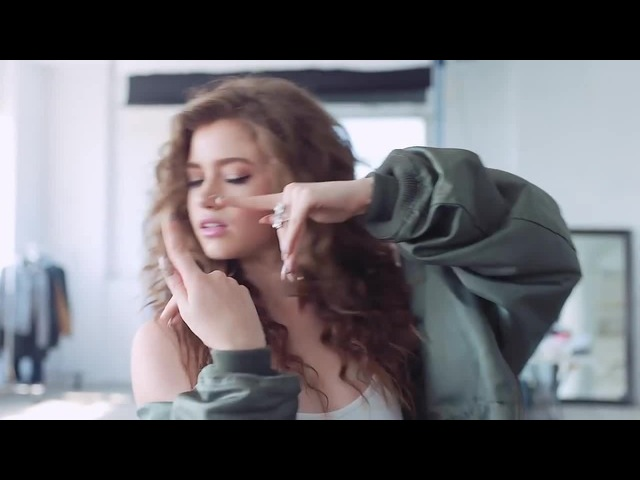 Dytto | China Glaze Chic Physique | Finger Tutting | CGxDytto