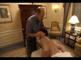 Борат просит сделать массаж ануса