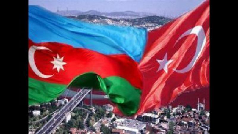 Suriyada yaşayan yaşlı türk Azerbaycan ve Turkiye eskerini qorunce çox sevindi