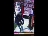 В Москве парень прямо в секс-шопе взял на тест-драйв резиновую попку