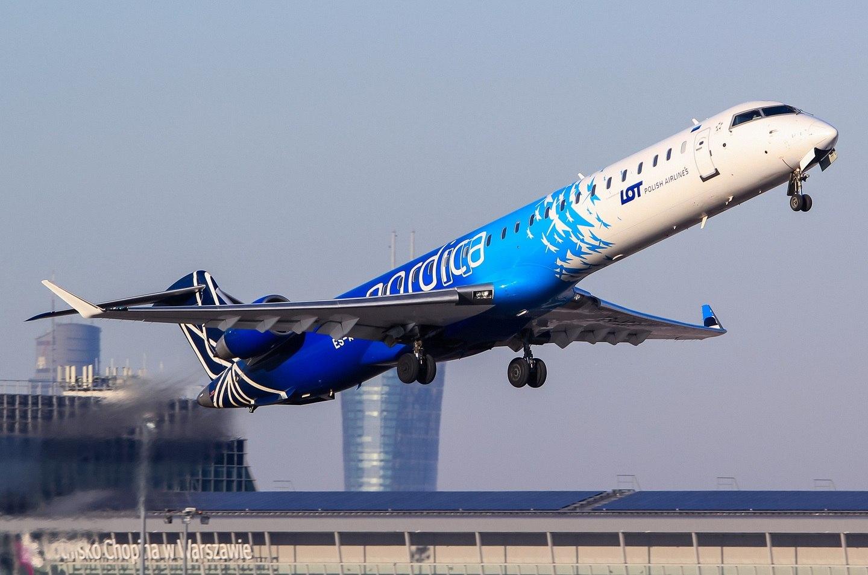 Взлет лайнера Nordica из аэропорта Варшавы