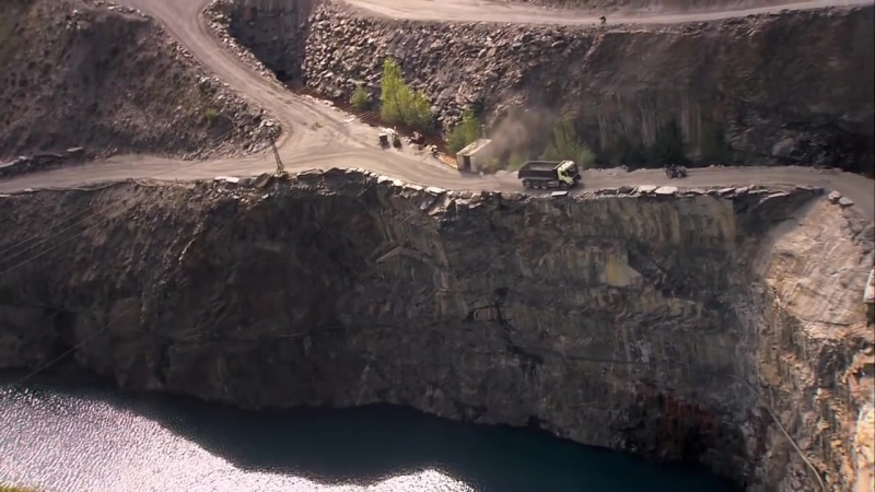 Креативная реклама Volvo FMX - Хомяк управляет грузовиком
