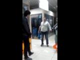 Кто может объяснить? в торговом центре мужик окаменел,люди вызвали скорую,которая тоже не могла ничего сделать,