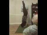 Как испортить маме видео ролик про йогу