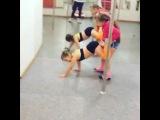 papillon.dance video